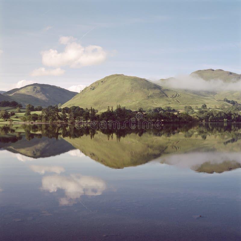 Reflexão de Ullswater foto de stock