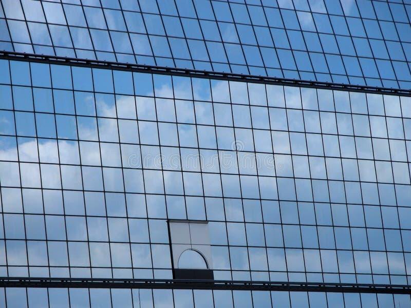 Reflexão Do Céu Imagens de Stock