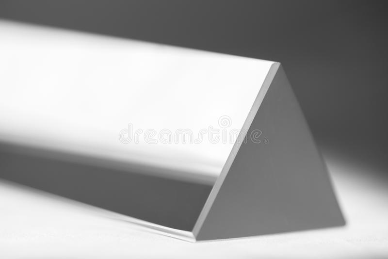 Reflexão do prisma equilateral fotos de stock royalty free