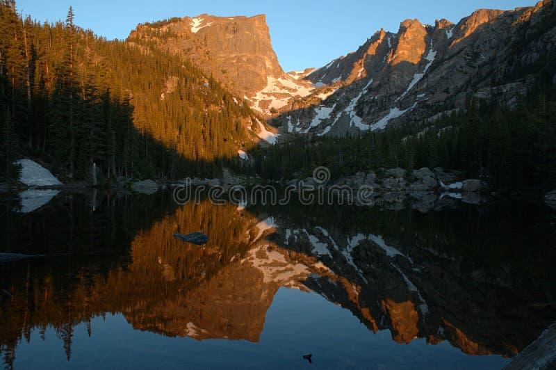 Reflexão ideal 2 do lago fotos de stock royalty free