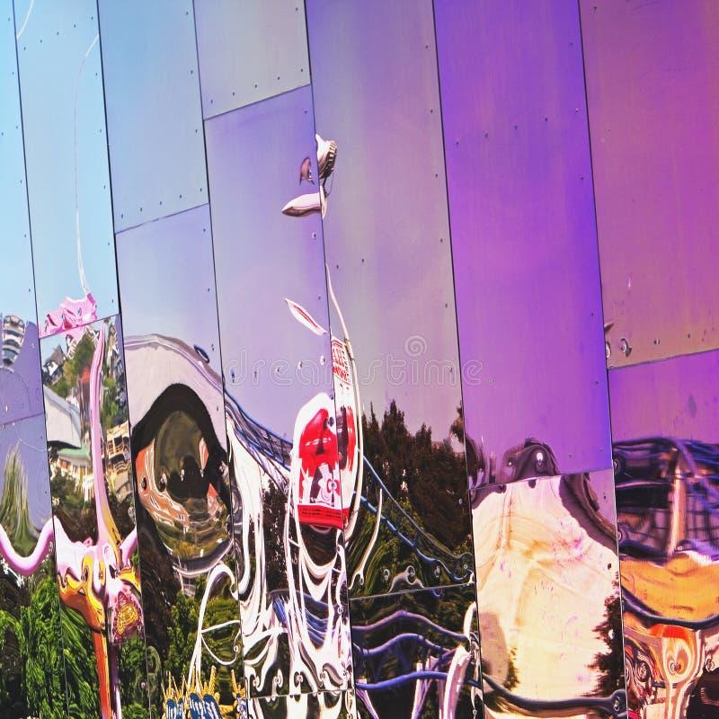Reflexão na parede tratada do metal foto de stock royalty free