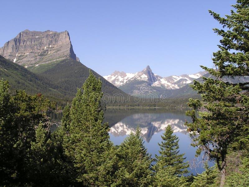 Reflexões 1 dos picos das geleiras foto de stock royalty free