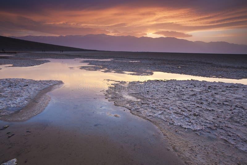 Reflexões da noite em Death Valley fotografia de stock