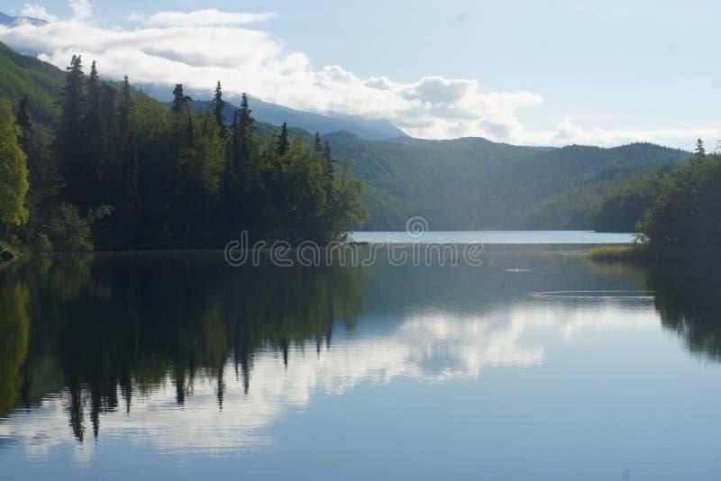 Reflexões da nuvem imagens de stock royalty free