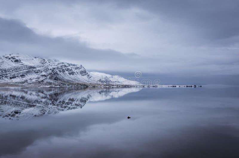Reflexões de Islândia imagens de stock