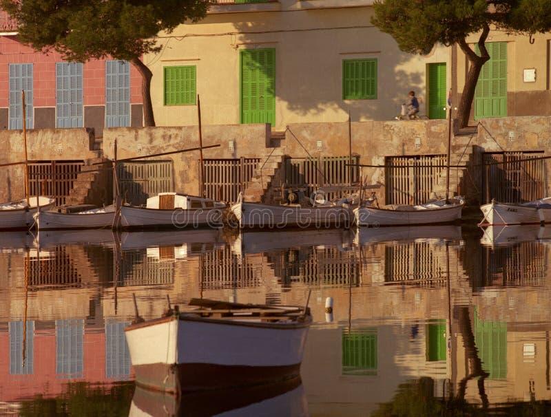 Reflexões do porto fotografia de stock royalty free