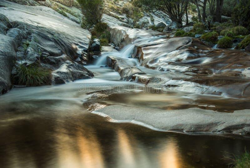 Reflexões na água fotografia de stock