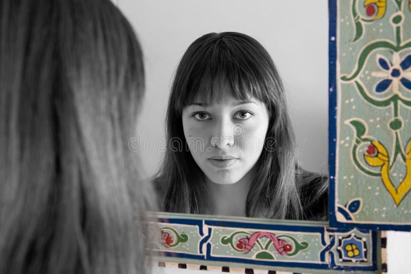 Reflexión de espejo imagen de archivo