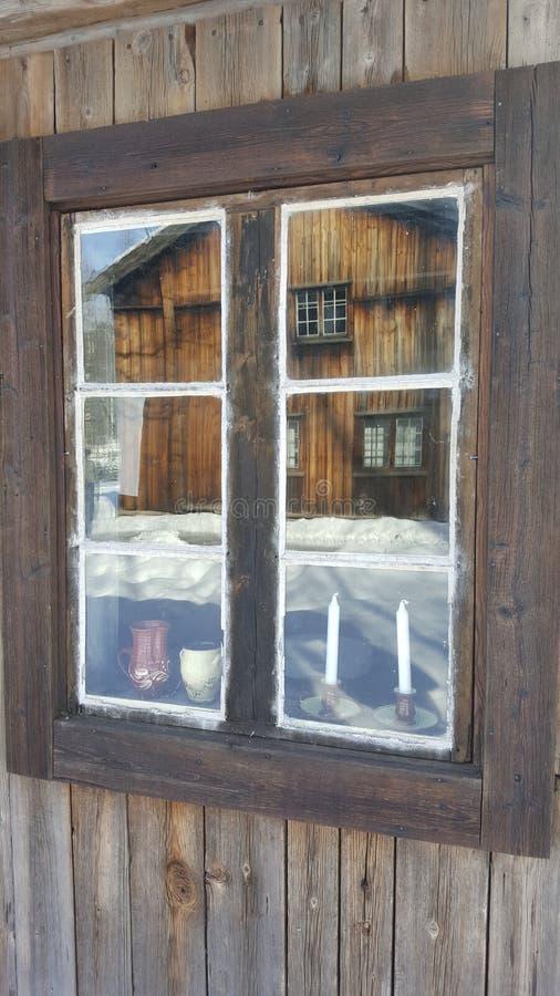 Reflexión de la ventana fotografía de archivo libre de regalías