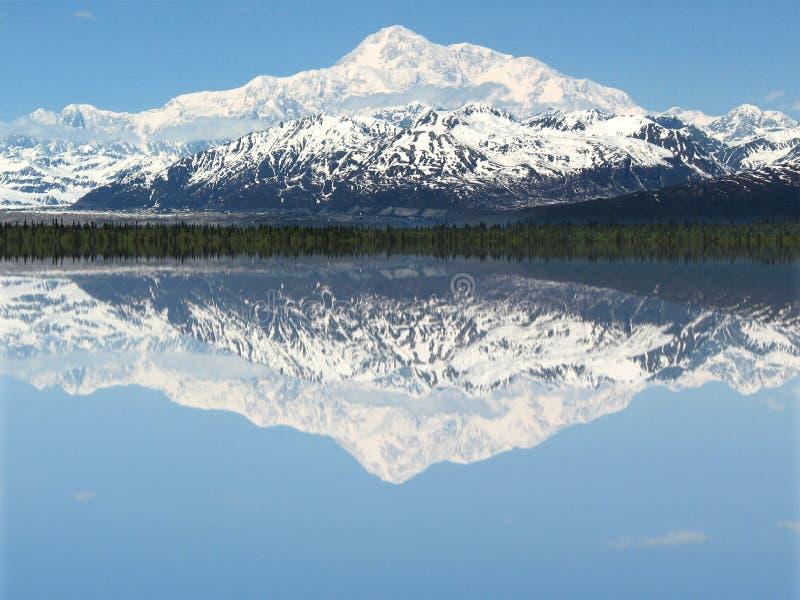 Reflexión de McKinley de montaje fotografía de archivo