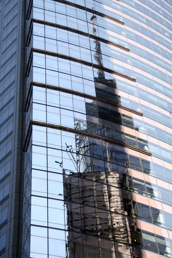Reflexión del edificio de Nueva York fotos de archivo