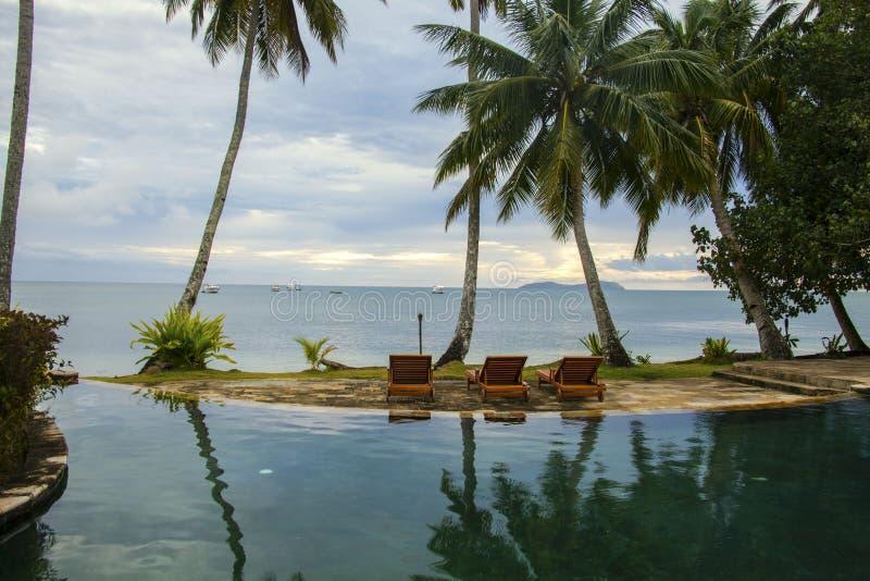 Reflexión del Poolside de Fiji foto de archivo