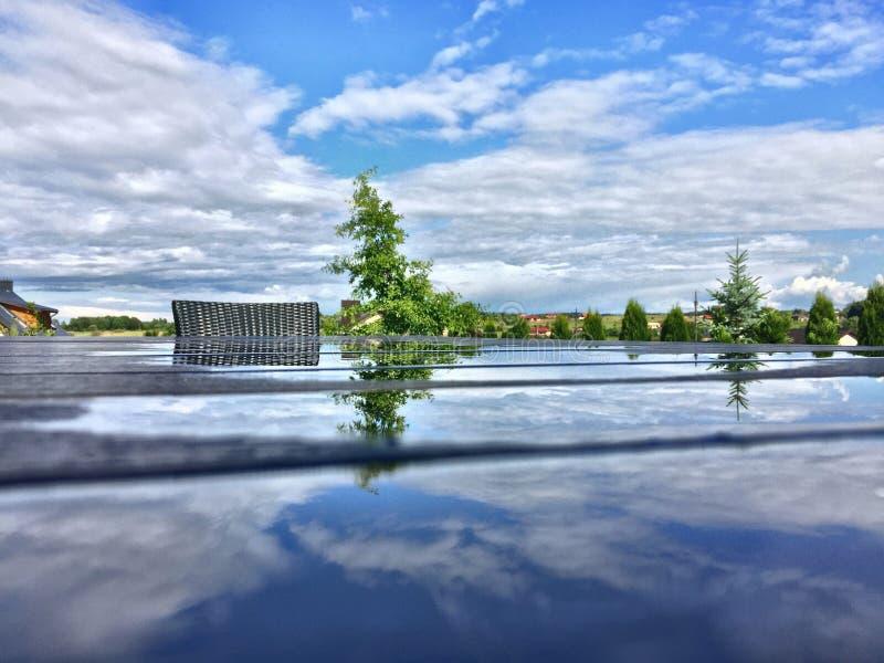 Reflexión después del día lluvioso imagen de archivo