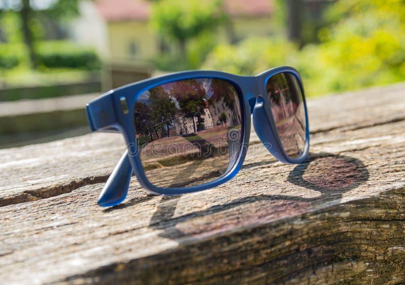 Reflexión en las gafas de sol fotografía de archivo