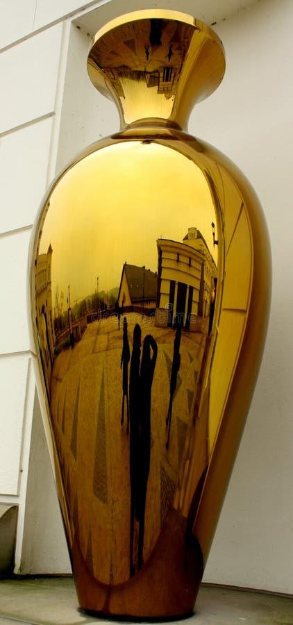 Reflexión en oro foto de archivo libre de regalías