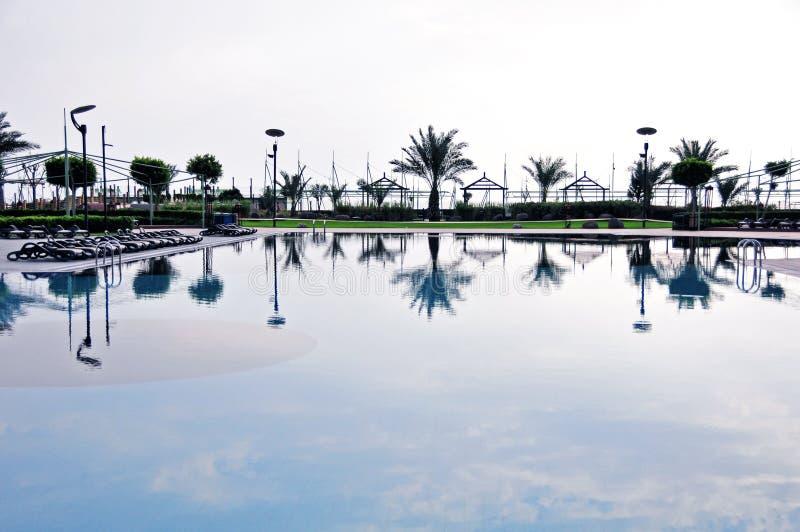 Reflexión en una piscina fotografía de archivo libre de regalías