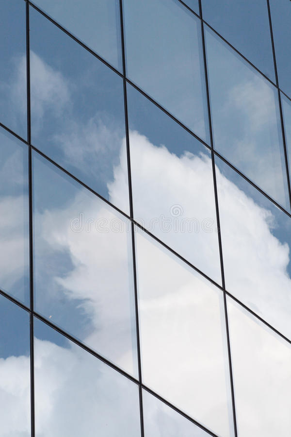 Reflexión en ventanas. imagen de archivo libre de regalías