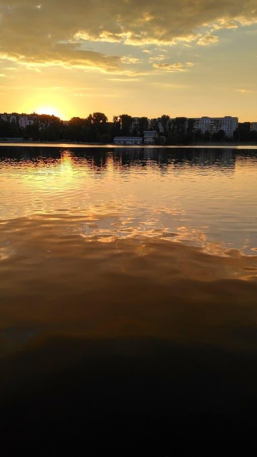 Download Reflexion Des Himmels In Water_4 Stockfoto - Bild von nord, cockcrow: 96927288