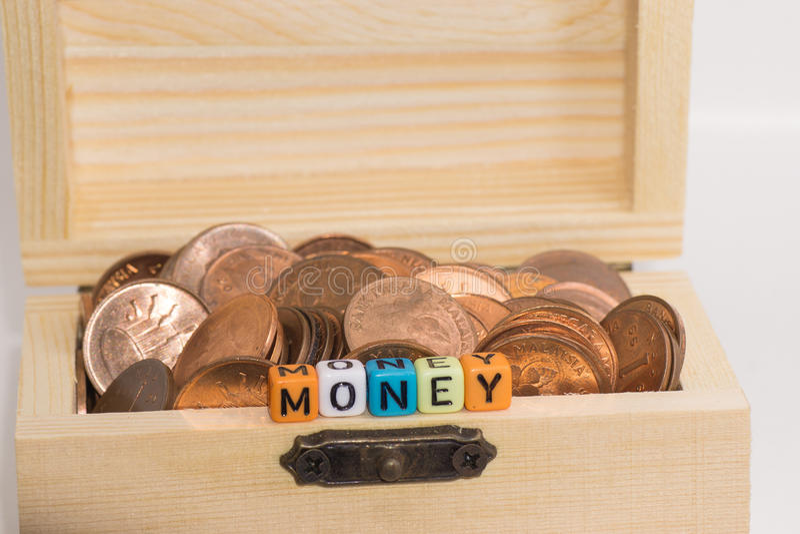 reflexion för pengar för begreppsgodshus verklig royaltyfri foto