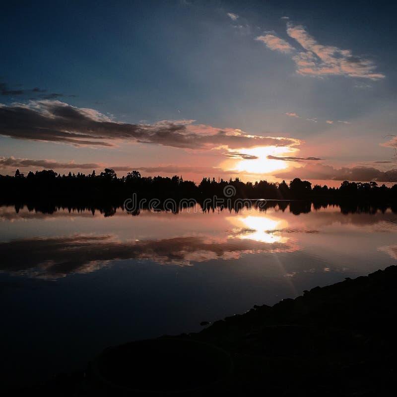 Reflexion i vattnet royaltyfri bild