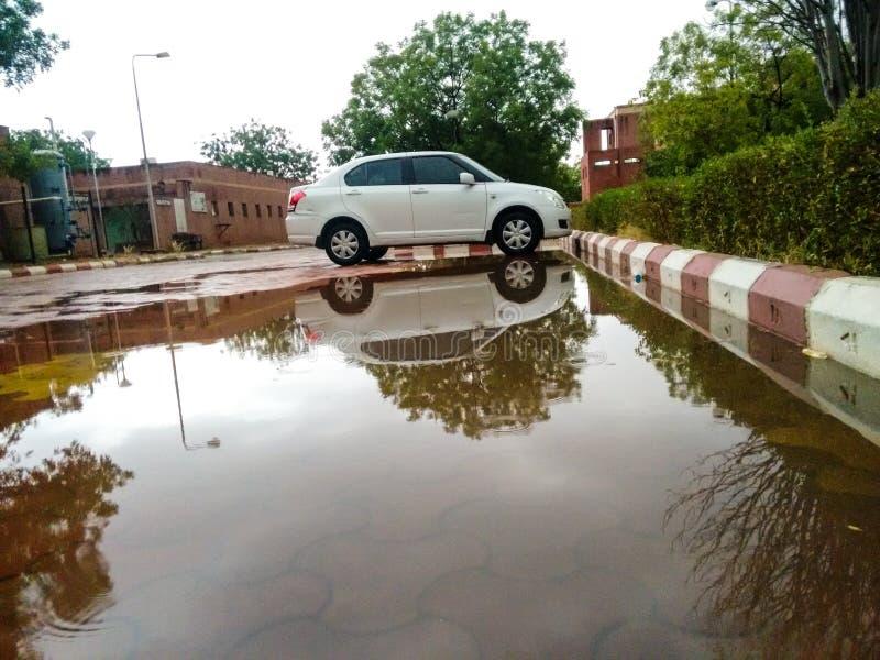 Reflexion nach Regen lizenzfreies stockbild