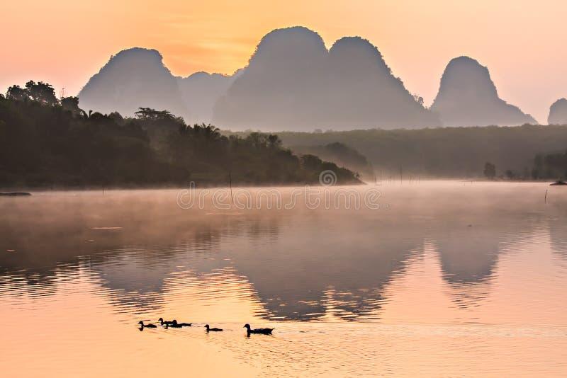 Reflexion på laken royaltyfri foto
