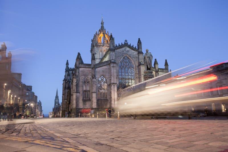 Reflexion von Autolichtern, Edinburgh lizenzfreie stockfotos