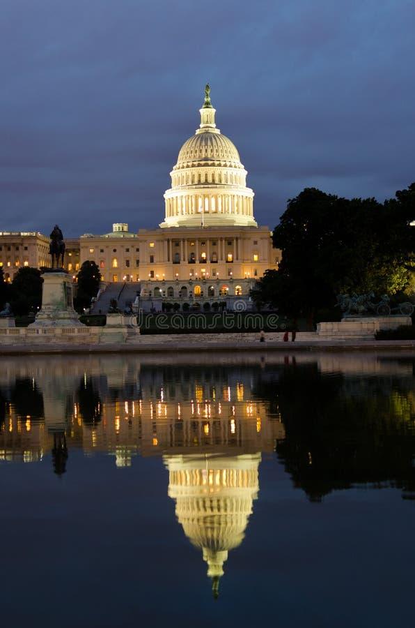 Download Reflexion Washington För Byggnadscapitoldc Arkivfoto - Bild av monument, lampor: 19787284
