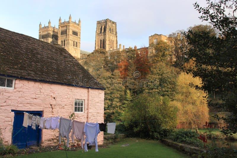 Reflexionen der Durham-Kathedrale stockfotografie