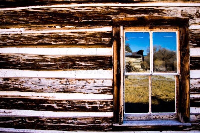 Reflexioner i fönstret arkivfoton