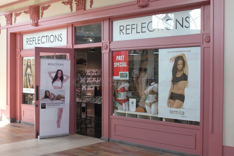 Reflexioner Shoppar Redaktionell Arkivfoto