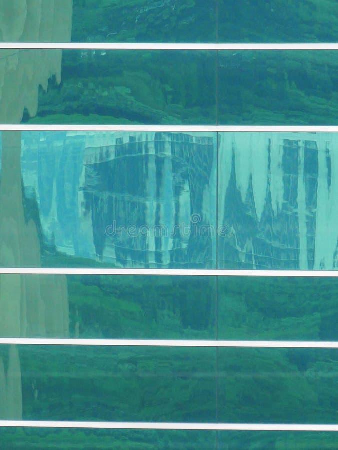 Reflexiones abstractas de edificios imagenes de archivo
