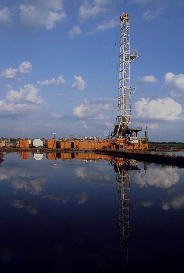 Reflexiones de la torre de perforación foto de archivo libre de regalías