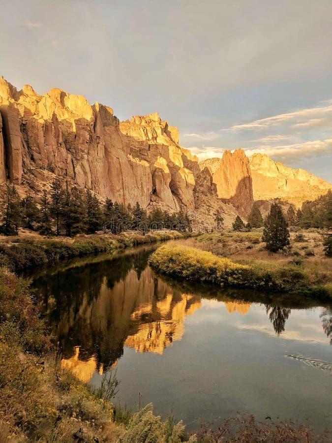 Reflexiones en el parque de estado de la roca de Smith fotos de archivo libres de regalías