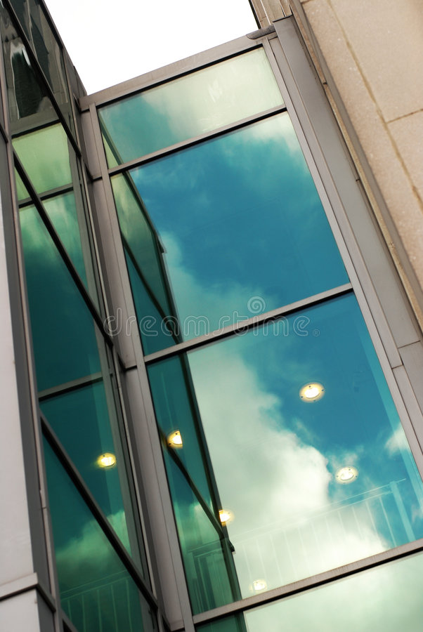 reflexionsfönster arkivfoto