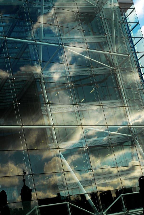 reflexionsfönster royaltyfri foto