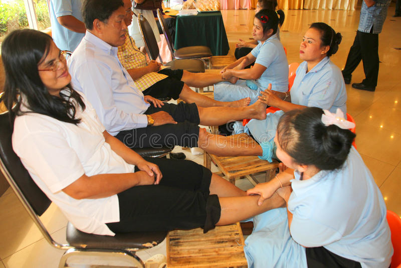 Reflexology massage, brunnsortfotbehandling, Thailand royaltyfri foto