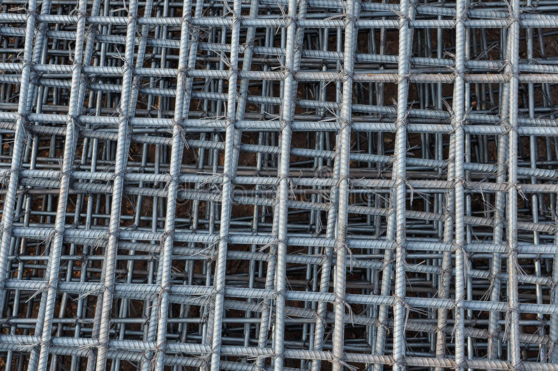 Reforço das barras de aço no canteiro de obras fotos de stock royalty free