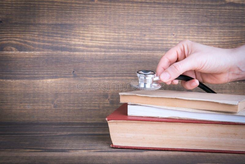 Reforma de la salud, educación o concepto de la recuperación foto de archivo