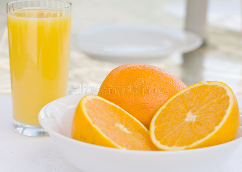 Download Refreshing Oranges And Juice Royalty Free Stock Photography - Image: 5613167