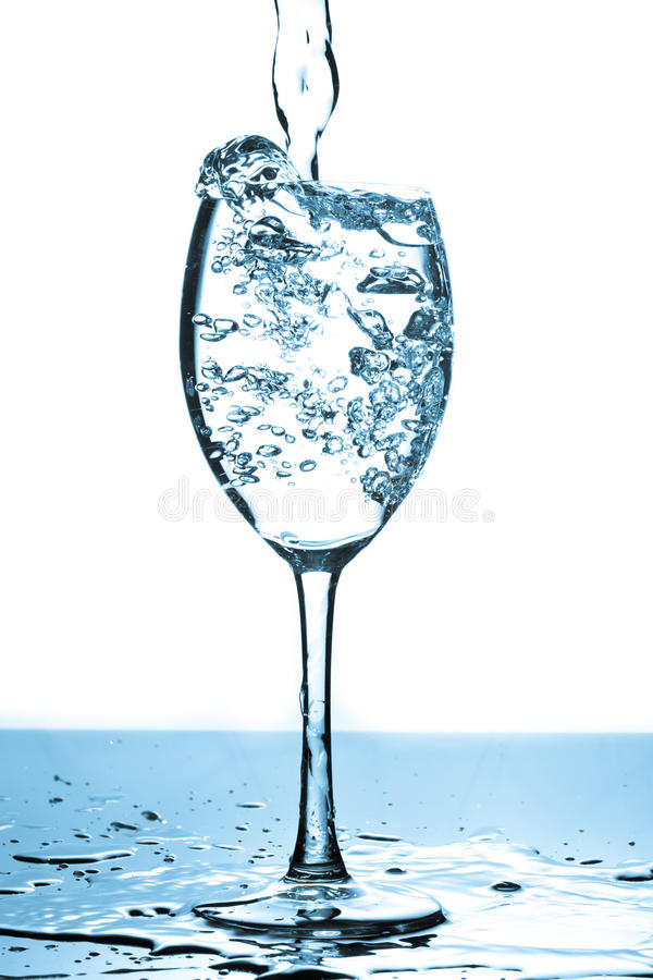 Free Refreshing Water Bubbles In A Glass Stock Image - 16583701