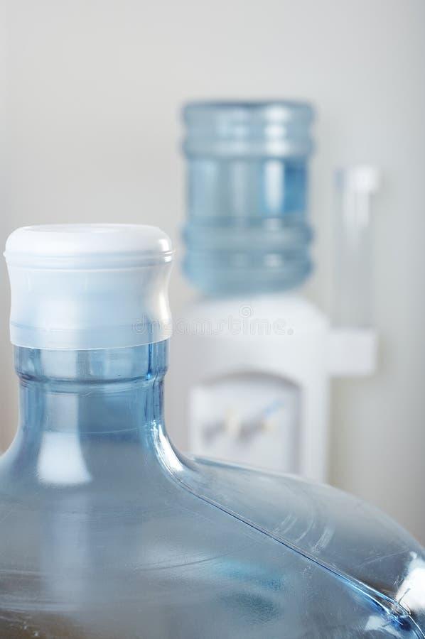 Refrigerador de água do escritório fotografia de stock royalty free