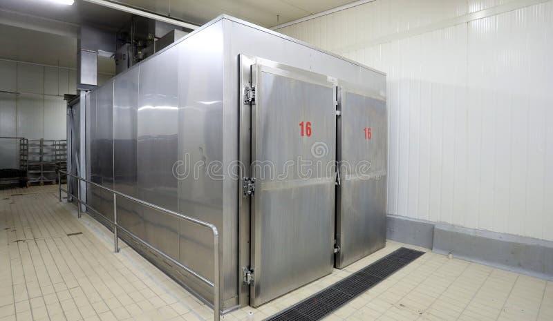 Refrigerador industrial del metal grande imagen de archivo