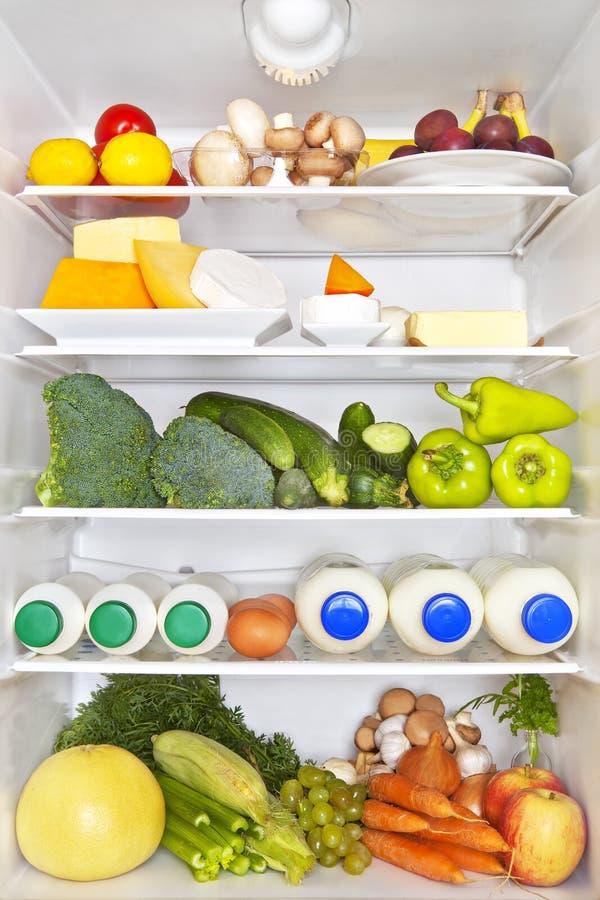 Refrigerador lleno. Concepto sano de la aptitud. imagenes de archivo
