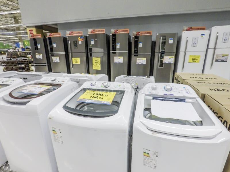 Refrigerador, máquina de lavar fotos de stock