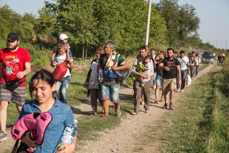 Refugiados que entram na Croácia imagens de stock
