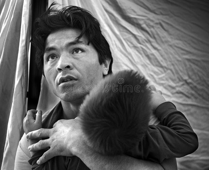 Refugiados sin hogar en Atenas, Grecia foto de archivo