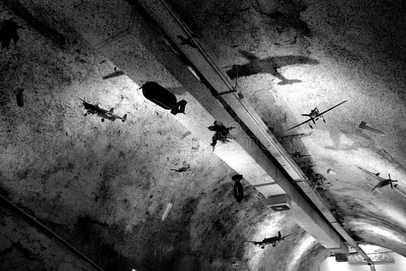 Refugio del ataque aéreo fotos de archivo