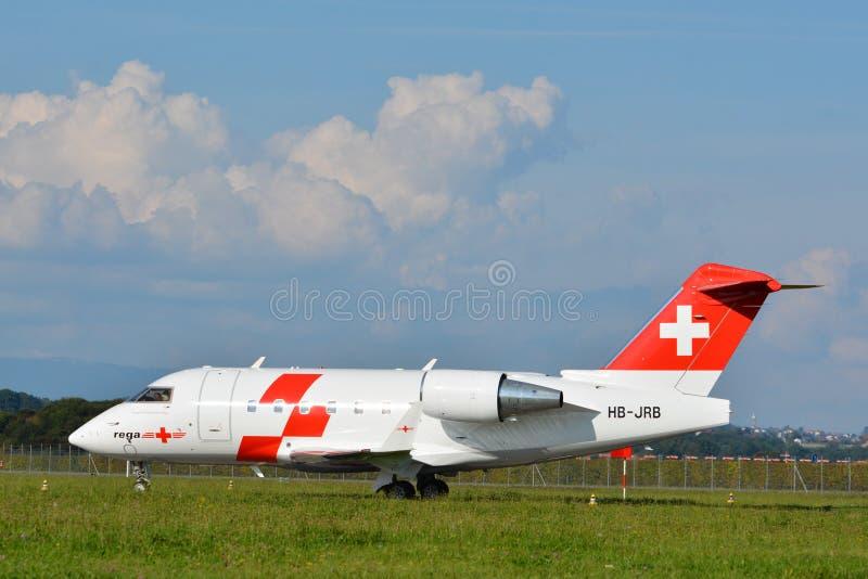 Rega - Zwitsers lucht-Ziekenwagen Vliegtuig hb-JRB stock afbeelding