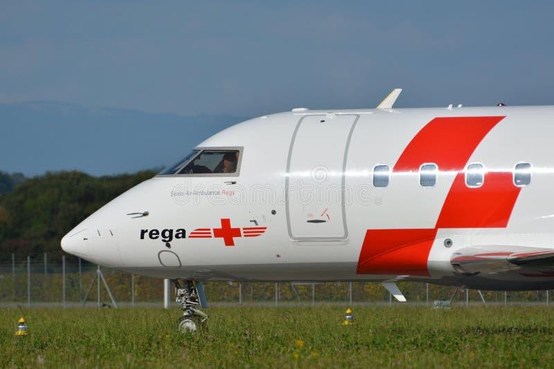 Rega - Zwitsers lucht-Ziekenwagen Vliegtuig hb-JRB royalty-vrije stock afbeelding